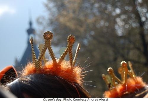 20110425073355-queen