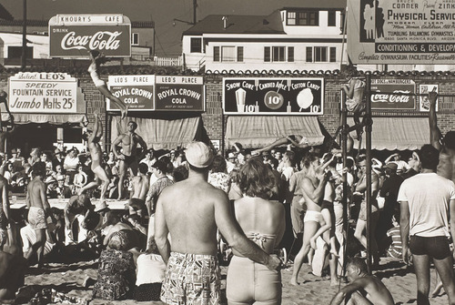 20110719042007-max-yavno-muscle-beach-1949
