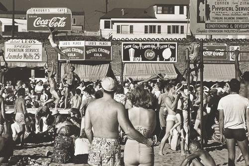 20110719042007-max-yavno-muscle-beach-1949