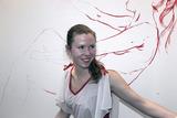 20110513080005-anna_red