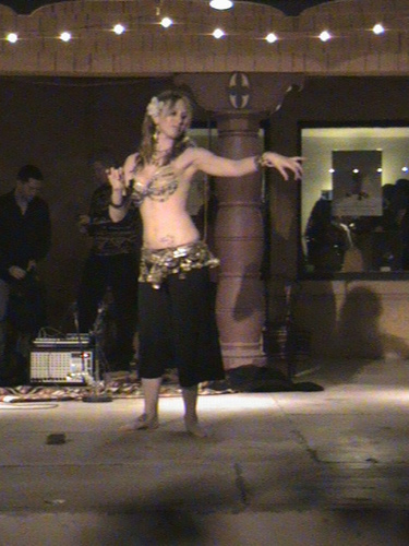 Dancer_at_the_bungalow