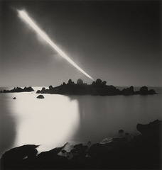 Full_moon_set__chausey_islands__france__2008