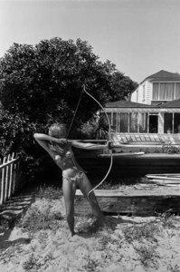 Jane-fonda-with-bow-and-arrow-1965-copyright-dennis-hopper