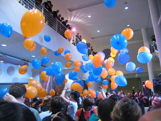 Balloon Drop at YBCA, horea