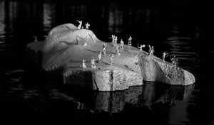 Bellobono_icebergs_from_temporary_civilization_2006-_0059_low_res