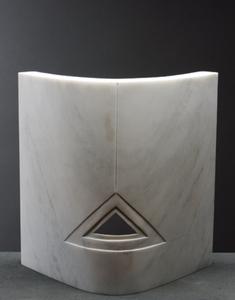 Carrara-curved-triangle_n0z3280x