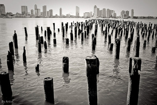 Pier, Bill Moy