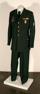 Uniform_of_the_avaunt_garde_01