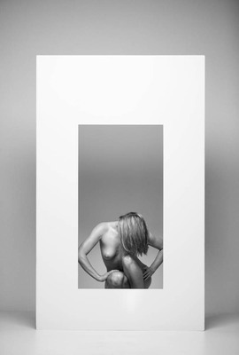 Frame_with_nude