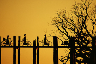 Myanmar. Amarapura. U Bein Bridge. Sunset. 1999, Nevada Wier