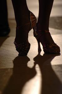 Dancing_shoes_woman