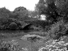 Central_park_bridge_bw