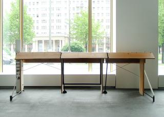 Support structure for sorting it out alone (first version: Heinrich-Böll-Bibliothek, Prenzlauer Berg; Else-Ury-Bibliothek, Kreuzberg), Dave Hullfish Bailey