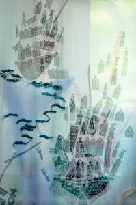 20100925030231-sayaka_abe_imaginary_mountain_fighting_with_water_detail_2