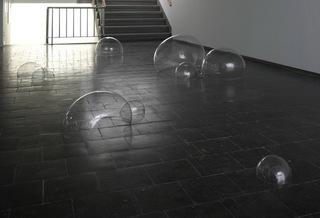 Blasen (Bubbles), Luka Fineisen
