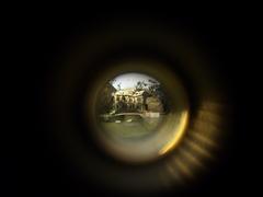 20110120064604-aftershock_peephole