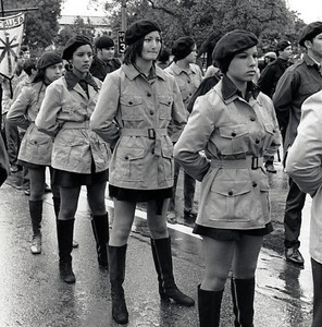Women_brown_berets