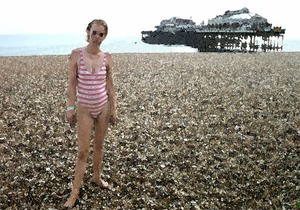 20110125173650-junky_on_beach_100_dpi_7x10