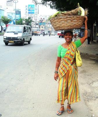 20110126090345-women_selling_vegetables