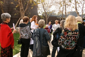20110201164002-norton_simon_tour_-_margaret_with_group_in_front_of_museum