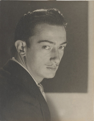 Portrait ancien et modern, Man Ray