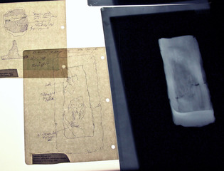 X-ray and interpretative drawing of the brick-artifact, Iris Häussler