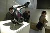 20110423093527-milano_week_design_2011_presentazione_dell_opera_la_donna_metafisica__di_emanuele_rubini_nel_company_space_ceramiche_piemme_03