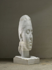 Humming, Jaume Plensa