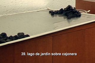 Acciones en Casa 39 (Pond on top of chest of drawers), Bestué Vives