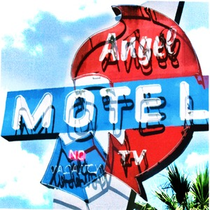 20110531153955-angel_motel