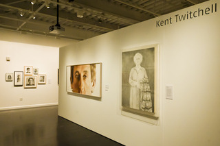 ROUND TRIP: Eight East Los Angeles College Alumni Artists,Kent Twitchell