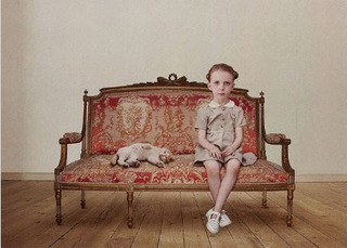 The waiting girl, Loretta Lux