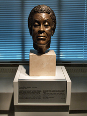 Sara_s_miller_s_1994_bronze_portrait_bust_of_gwendolyn_brooks__washington__dc_