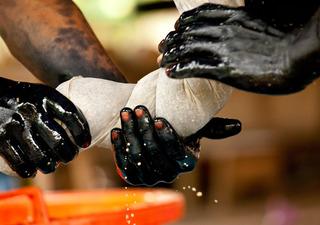 Three Jagua Hands, Pascal Giacomini