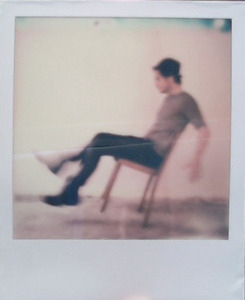 20110927144437-stoel_polaroid