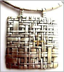 20111023080313-gurgel-segrillo_metalofonas
