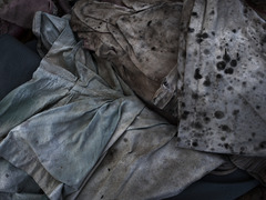 20111108141811-untitled__clothes_276__l