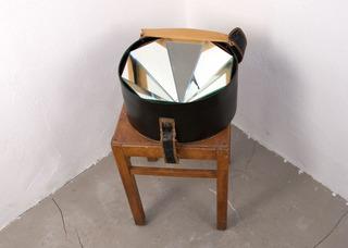 Hatbox With Mirrors, Annika Rixen