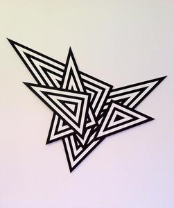 20111120185542-saskia_triangles_01