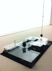 Black apple falls, Guillaume Leblon