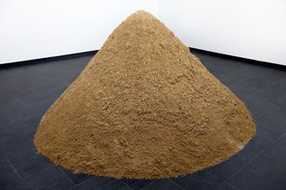 And a pile of sand, Wilfredo Prieto