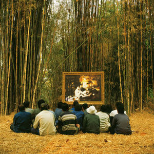 20111227051720-manet_s_luncheon_on_the_grass_and_the_thai_villagers__photograph