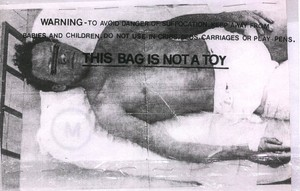 20111229184602-cyro_cappello_package_obsession_series_this_bag_is_not_toy_2001_001