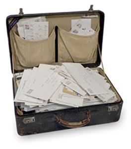 20120131002317-matrix241_warner_suitcase-final_clip
