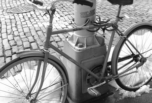 20120212213323-bike_i-_bw