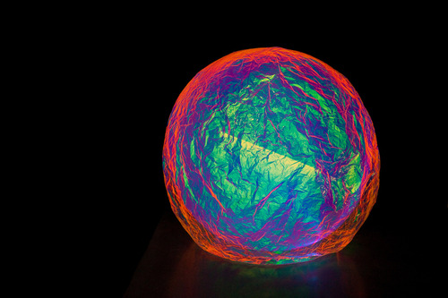 20120215172329-andersen_s_contemporary_-_toma_s_saraceno__iridescent_planet__2012_-_115cm
