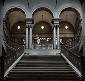 20120326195247-chicago_stairs