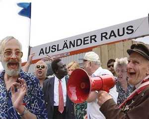 Ausländer raus—Bitte liebt Österreich, Christoph Schlingensief