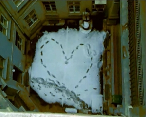 20120416094835-heart_shape_frame