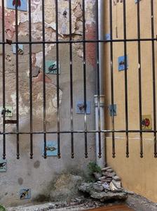 20120427155352-wall_marseille